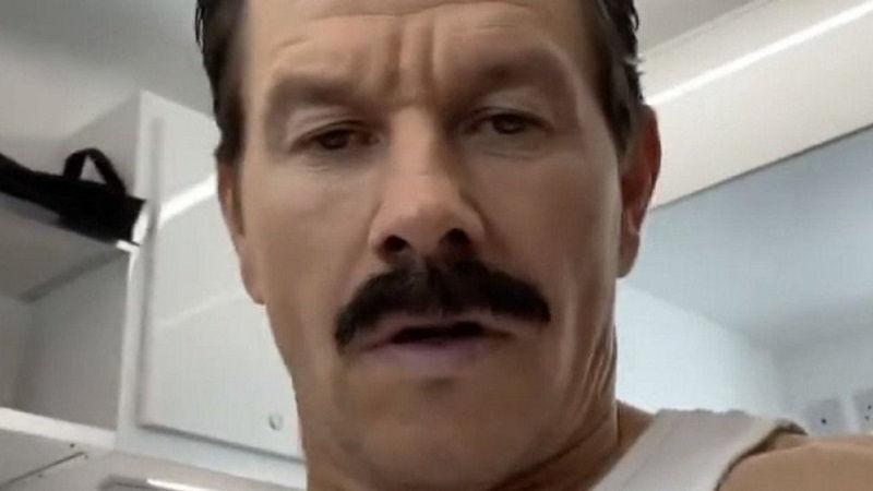 Марк Уолберг в образе Салли из экранизации Uncharted