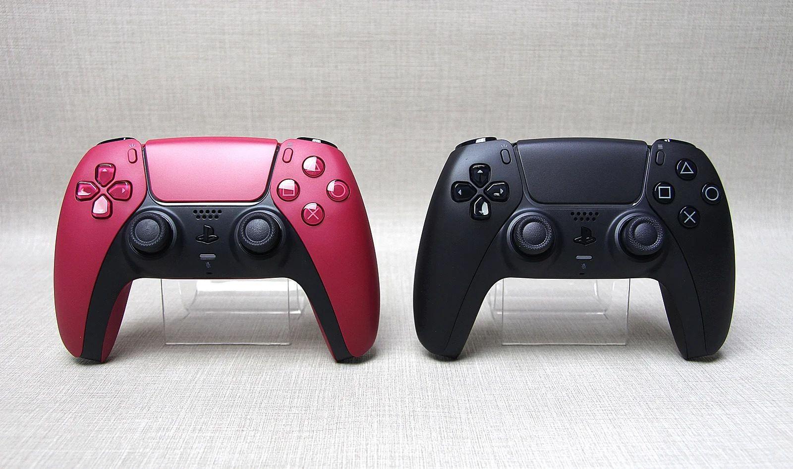 Черный  и красный DualSense